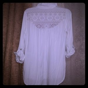 LIKE NEW CLASSIC VINTAGE WHITE BLOUSE